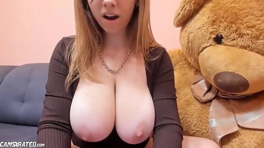 Huge Boobs Teen Orgasming Online