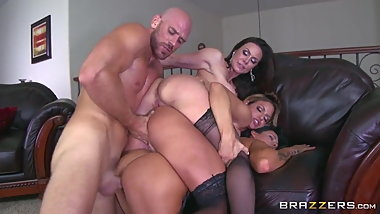 Johnny Sins fucks Kissa Sins, Kendra Lust, and Peta Jensen