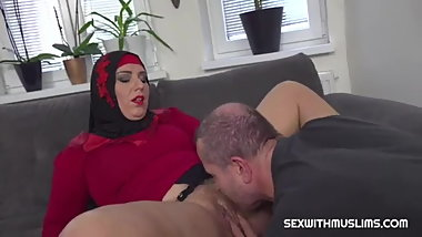 arabian Girl Learning to play with a sex machine