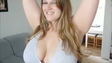Chubby amateur girl with big tits likes morning fuck