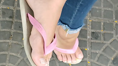candid feet - teen feet