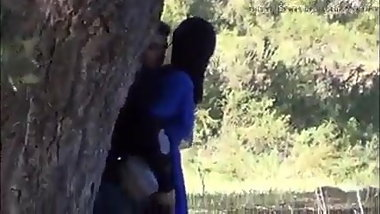 Desi Muslim teen in hizab fucked by her hindu lover