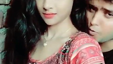 desi hot girl boobs pressed in tiktok videos
