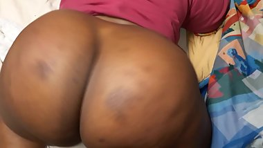 18 Yrs Old Teen With The Biggest Jumbo Ass in the Hood twerk for StepDaddy