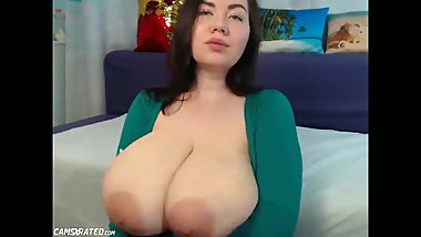 Hot Huge Boobs Teen Babe